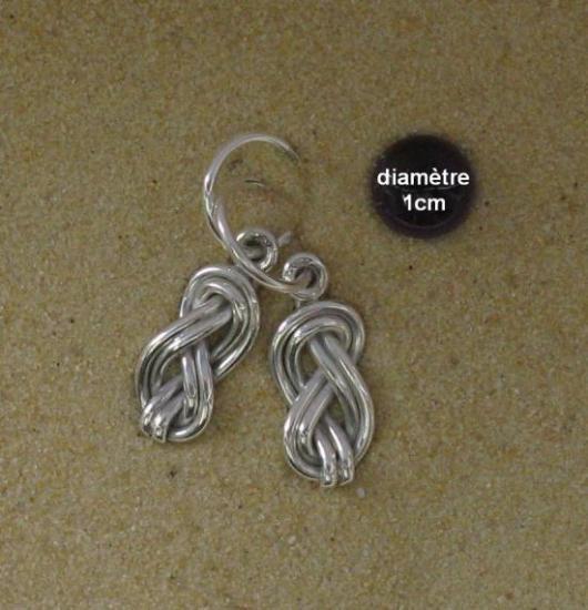 boucles d'oreilles noeud de double huit